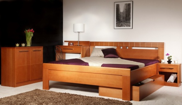 Masívna posteľ s úložným priestorom Arleta 1