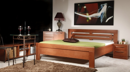 Masívna posteľ s úložným priestorom Arleta 2