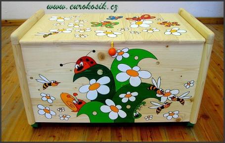 Dřevěná truhla na hračky Louka