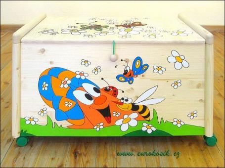 Dřevěná truhla na hračky Šnek