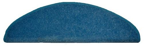 koberec na schody svetlo modrý